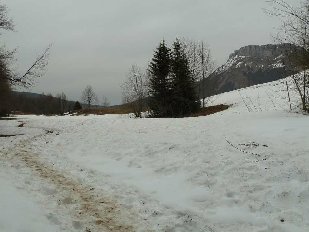 Le plateau du Col de la Doria est encore bien enneigé
