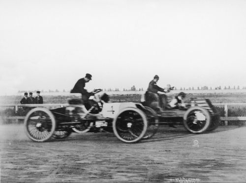 1901 grosse-pointe - henry ford (#4 'sweepstakes' 2-cyl 26hp) 1st, alexander winton (winton bullet 70hp) 2nd