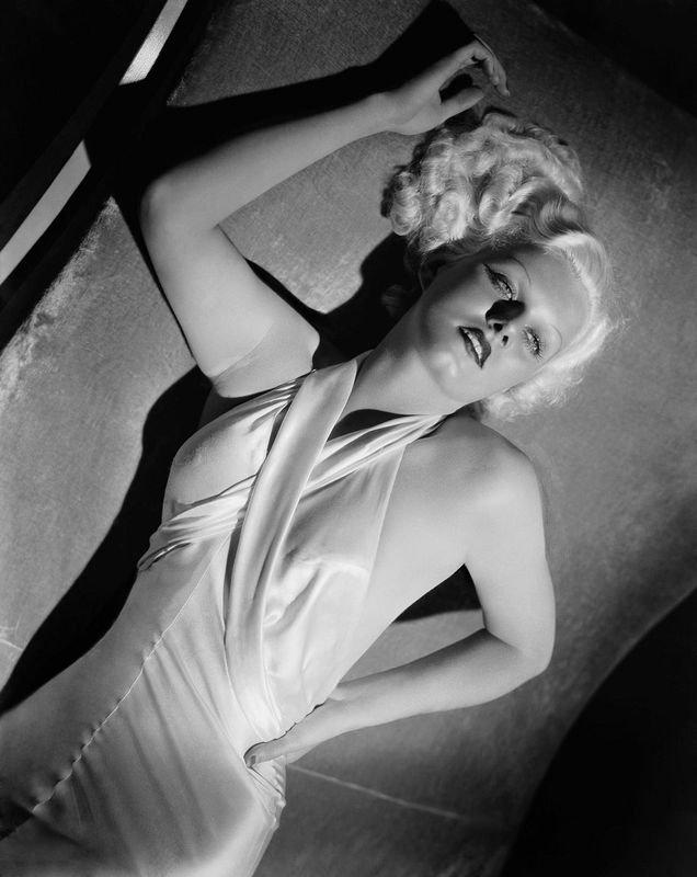 jean-1933-film-Bombshell-publicity_by_george_hurrell-3-1