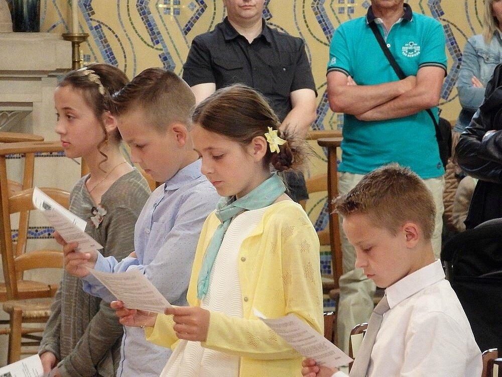 2016-06-12-entrées eucharistie-Le Doulieu (37)