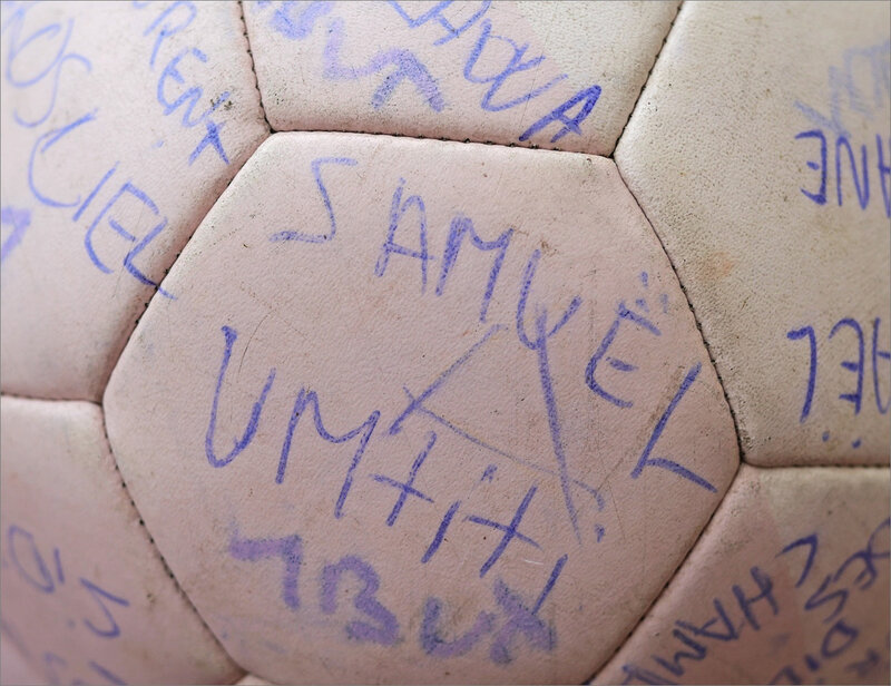 Ballon foot signatures coupe du monde 080220 ym 2