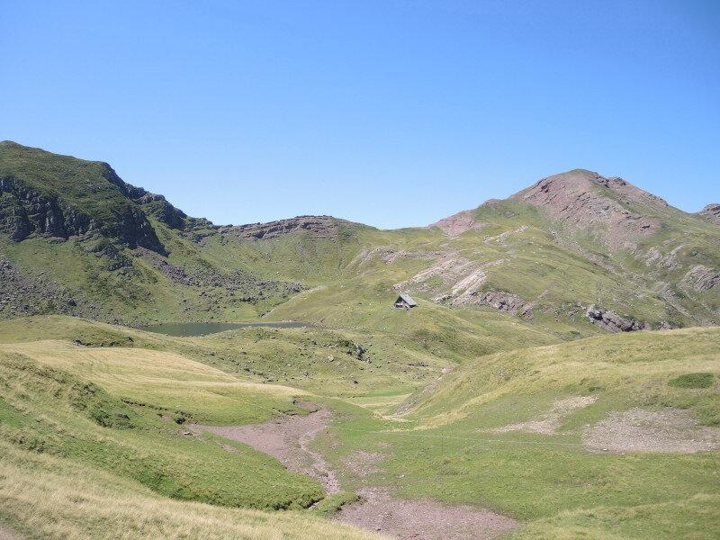 J) Lac d'Arlet, arrivée au lac et refuge d'Arlet (64)