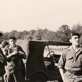 1964 Pause Soldats en Manoeuvres