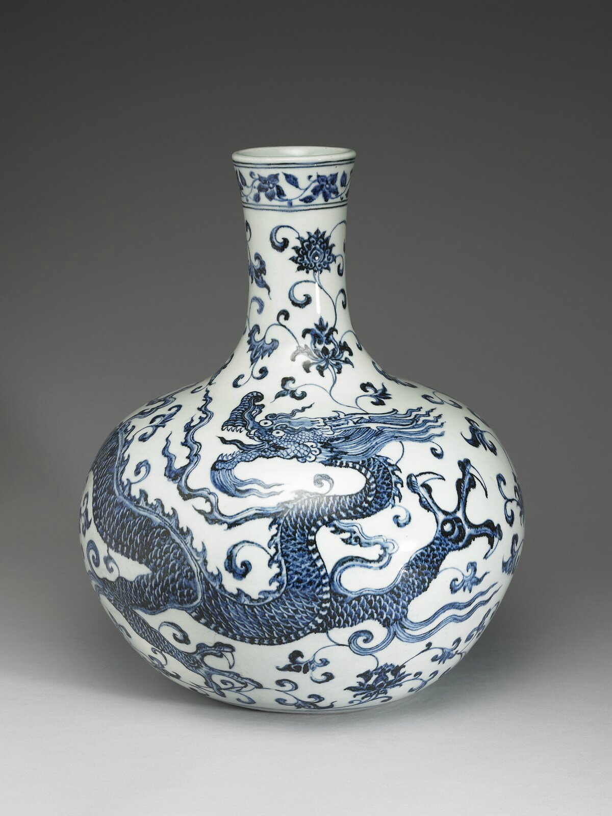 Vase with Flying Dragon, Ming dynasty, reign of the Yongle emperor, 1403-24