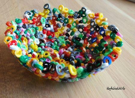 bol en perles hama fondues, idée d'activités avec les enfants