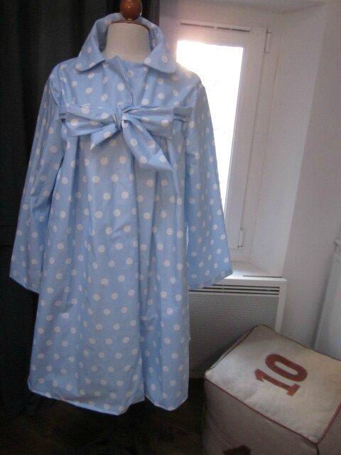 Ciré AGLAE en coton enduit ciel à pois blancs fermé par un noeud dans le même tissu (3)