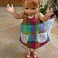 Une robe tablier pour poupée