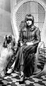 Wicker_sitting_inspiration-marianne_faithfull-1