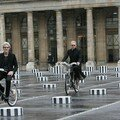Sting - police en velib paris blogreporter hugo mayer