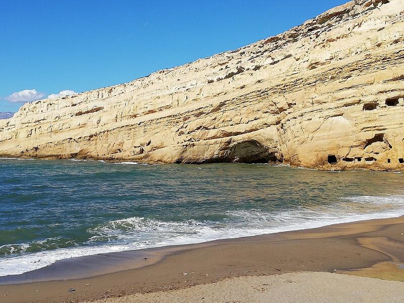 crete matala beach grottes