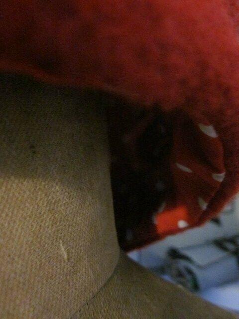Chapeau AGATHE en laine bouillie rouge avec fleur - doublure de coton rouge à pois blancs (7)