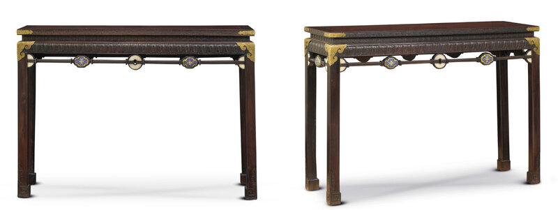 2011_HGK_02861_3607_000(a_very_rare_pair_of_imperial_embellished_hardwood_corner-leg_tables_qi)