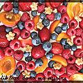 P'tite tarte aux fruits frais sur crème de tiramisu