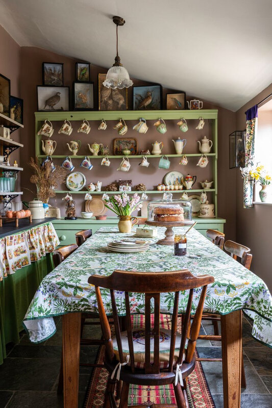 Vintage cottage in England photos by Kasia Fiszer (6)