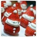 La fraise qui joue au père noël