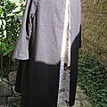Robe ODETTE en lin noir et pli creux en lin brut imprimé (10)
