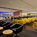 Salon qantas singapore