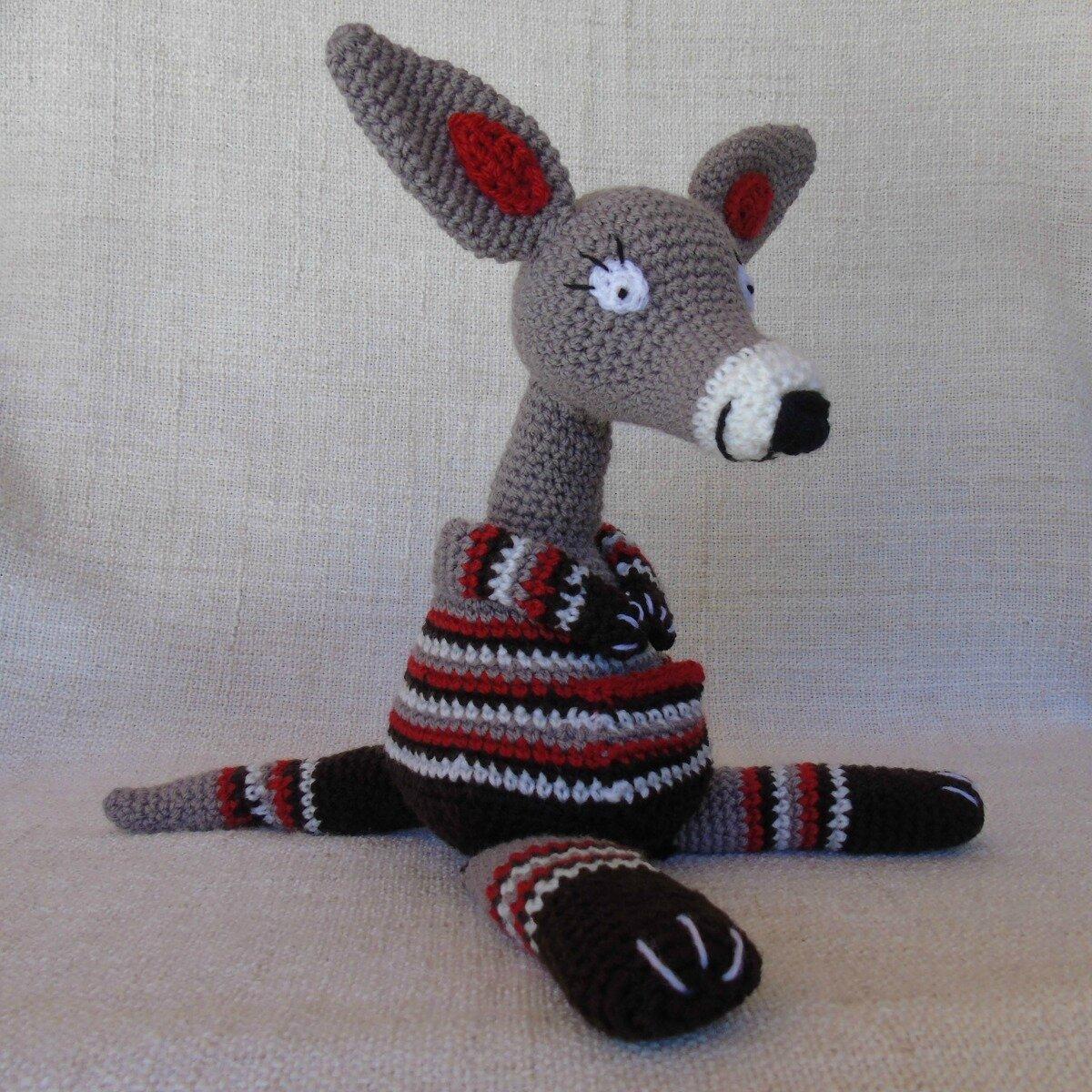 kangourou-au-crochet-coté
