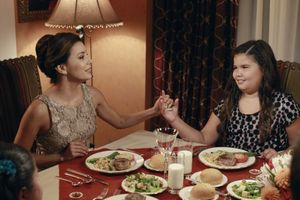 DESPERATE_HOUSEWIVES_Always_in_Control_Season_8_Episode_7_550x366