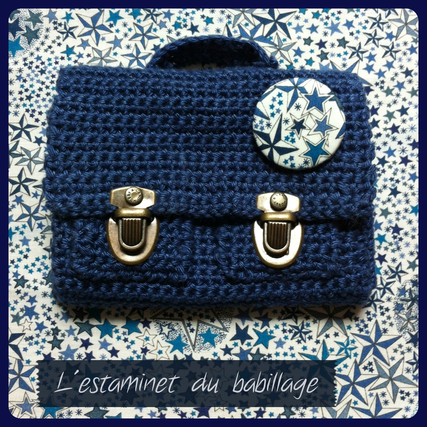 Mini cartable au crochet