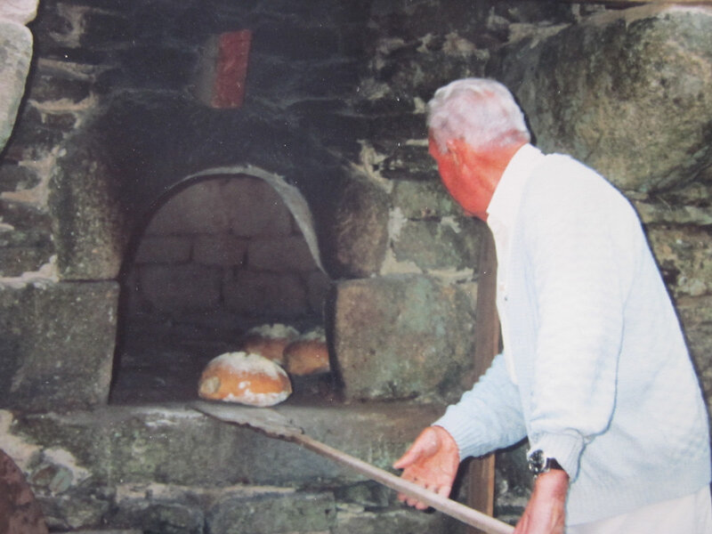 Four à pain de Créménec.