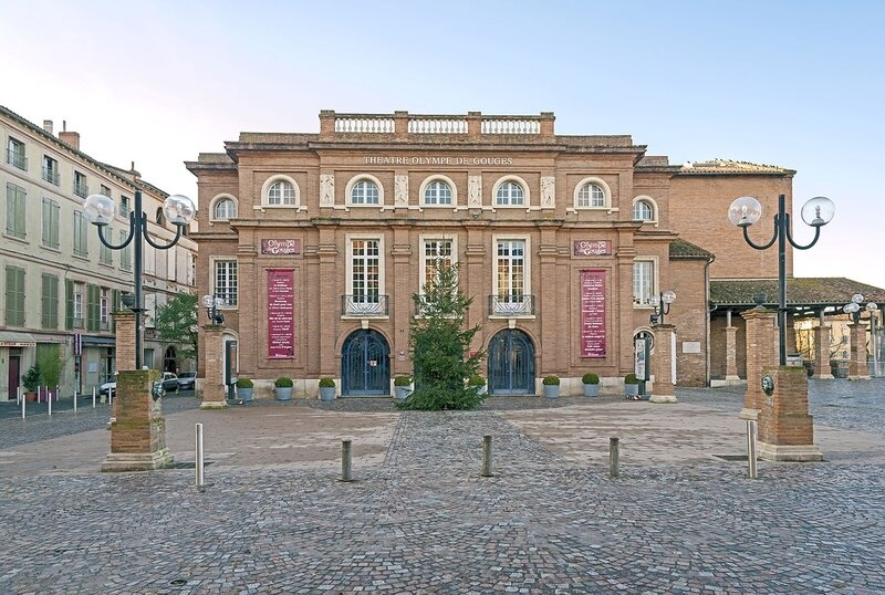 Montauban_-_Olympe_de_Gouges_theater