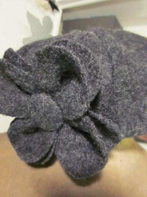 Chapeau AGLAE en laine bouillie gris anthracite chiné avec fleur - doublure de lin noir (5)