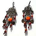 Boucles orange rouge