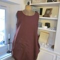 Robe CELESTE en lin bordeaux grand cru (3)