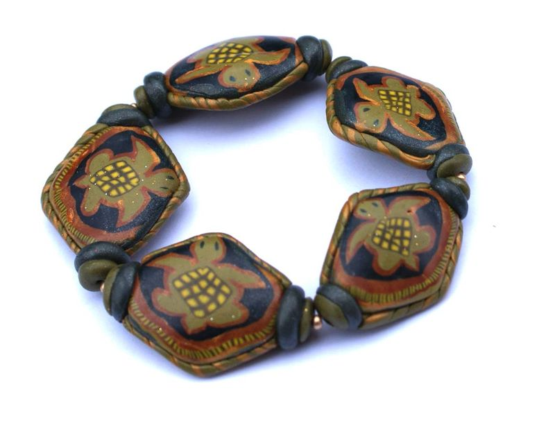 2010 129-Le bracelet pour la valse de tortues