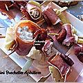 Mini brochettes au chorizo, artichauts et rouleaux de jambon au chèvre
