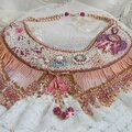Collier rose eternelle plastron haute-couture