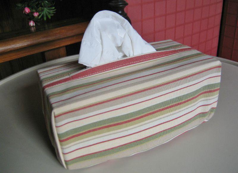 boite à mouchoirs 012
