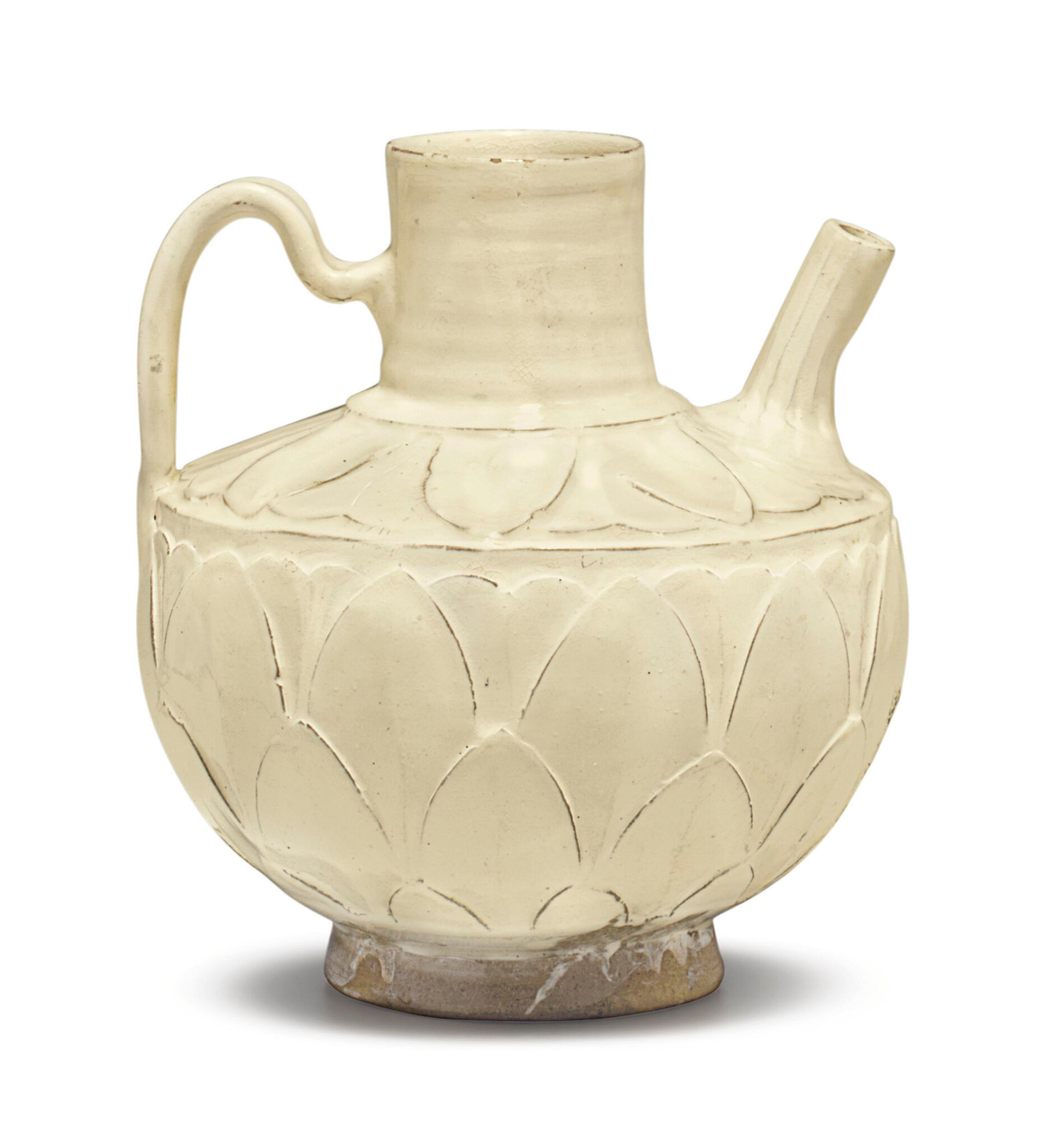 A Cizhou white-glazed petal-carved ewer, Northern Song dynasty (960-1127)