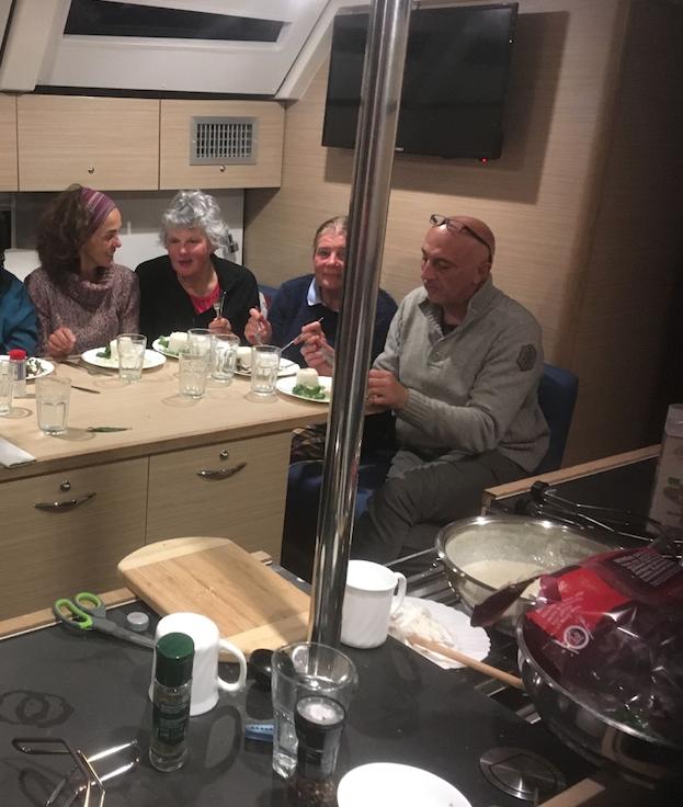 Suprêmes de poulet sauce Roquefort à Luka Polace (Mljet) à bord du D&D Kufner 50 Prestige, 080419