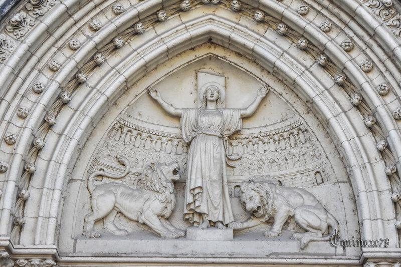 Sainte Blandine Les 2000 ans de L'Arc de Germanicus à Saintes et de l'amphithéâtre des Trois Gaules à Lyon 3