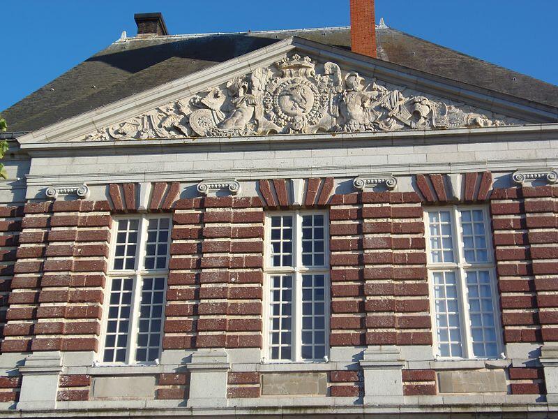 232542-torigni-sur-vire-normandie-france-fronton-ouest-facade-nord-chateau-des-matignon-