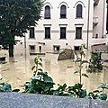 Catastrophe météorologique en italie a livourne en toscane les inondations ont fait plusieurs morts