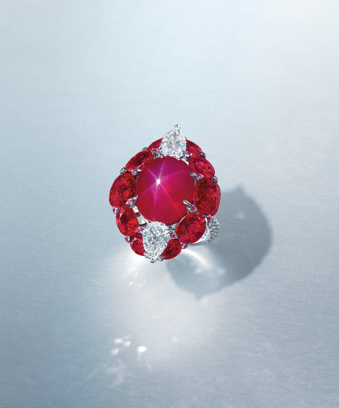 2020_HGK_18896_1945_002(magnificent_star_ruby_and_diamond_necklace_etcetera)