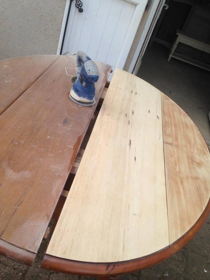 Table de salle a manger relookée gris zingué plateau brut