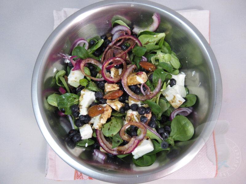 Salade myrtilles, féta, amandes