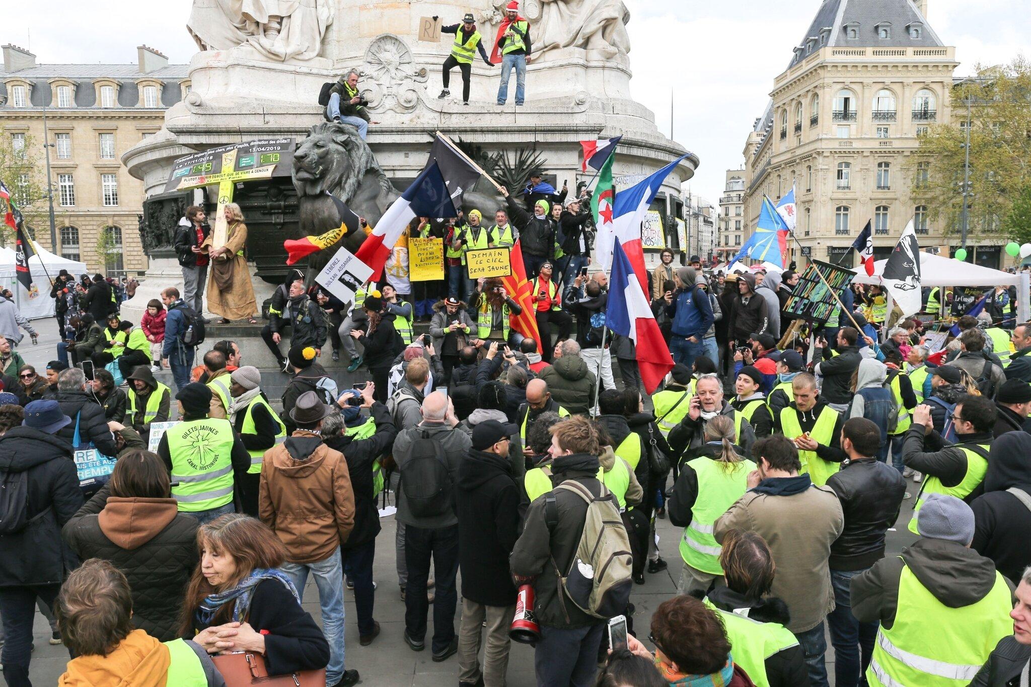 22e journée de mobilisation des Gilets jaunes. © Michel Stoupak. Sam 13.04.2019, 14h37m39.