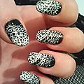 Nail art dentelle noir et blanc 31 Day Challenge Crocongle