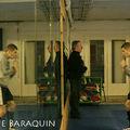 superbe image : shadow boxing devant le miroir!