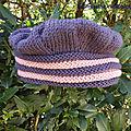 Un chapeau tricoté