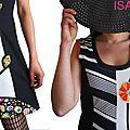 Une robe Rayée Noire et écru Bicolore de Printemps 2015 Fantaisie aux couleurs Pop : Orange, fuchsia, vert anis et Turquoise à application patch de Fleurs stylisées.