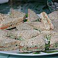Canapés sauce menthe et concombre