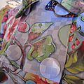 Manteau EDITH en polyester à damier gris imprimé fleurs et papillons - Doublure de satin rouge (5)