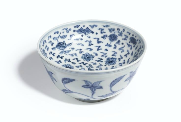 A rare blue and white warming bowl, Ming Dynasty, Chenghua Period. Photo: Sotheby's.