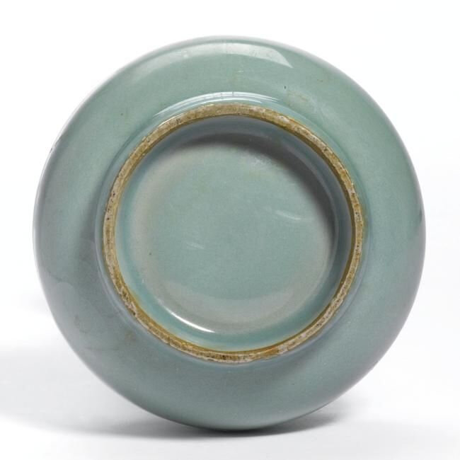 A Fine And Very Rare 'Kinuta' Glazed 'Longquan' Celadon Vase (Yuhuchun Ping), Southern Song Dynasty (1127-1279)2